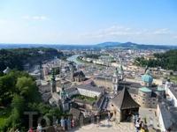 Вид на Зальцбург из крепости.