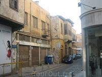 одна из улочек, параллельных улице Ледра