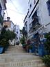 Мусульмане остались здесь жить после завоевания Аликанте христианами. По склонам холма до самой Санта-Барбары поднимаются приземистые белые домики с балкончиками ...