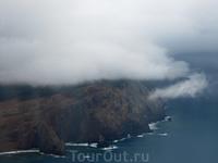 Вот и долгожданная Мадейра - туман и пасмурность сразу же навели на печальные мысли.