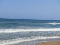 Песок на обоих пляжах мелкий, очень чистый. Пляжи тщательно убираются, но я бы сказала, что Сан Хуан все-таки был чище. Я думаю это потому, что в апреле ...