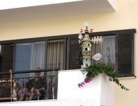 Просто балкон жилого дома