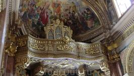 Что примечательно,в каждой церкви на Мальте есть орган...