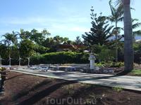 Пуэбло Чико - музей миниатюр, где представлены все известные постройки Канарских островов. Южный аэропорт Тенерифе
