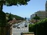 А мы облюбовали другой пляж - Platja de Fenals От нашей гостиницы, если идти налево, а потом по длинным ступеням вниз, и вот эта дорога выводит к пляжу ...