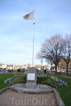 онфлер памятник,посвященный странам,участвовавшим во второй мировой войне