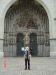 Над главным входом в собор Берна располагается одна из самых полных в Европе коллекций позднеготических скульптур. Фигурная композиция является иллюстрацией ...