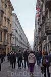 Via Garibaldi есть, наверное, в каждом итальянском городе. В Турине это одна из центральных пешеходных улиц с кучей магазинчиков ( здесь отовариваются ...