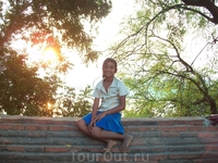 мьянманка в юбке