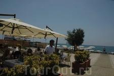 Отель Alle Tamerici. Бар на пляже отеля.