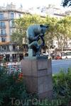 Барселона. Памятник Думающему Быку)))))