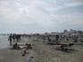 Пляж в ММ. Итальянцы, немцы оооооооочень любят ходить вдоль берега