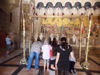 Храм Гроба Господнего, камень помазания