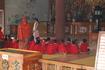 самые маленькие верующие пришли помолиться Будде.