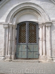 Суздальский Кремль. Врата Собора Рождества Богородицы.