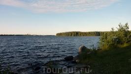 не помню где это....одно из многочисленных озер Карелии)