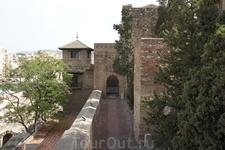 Крепость Малага - это фортификация мавров в городе Малага на юге Испании. Несмотря на основание в VIII веке, основная её часть была построена в середине ...