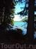 Вдоль Нижнего озера по лесной тропе.