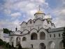 Центральным памятником ансамбля является трёхглавый Покровский собор (1510—1518 гг.), построенный на месте более древнего деревянного храма неизвестными ...