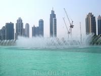 А вот сам Дубай не особенно, хотя я его толком и не видела, но... нагромождение высоких зданий меня не впечатляет