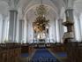 Внутреннее убранство храма Спасителя. В определённое время здесь звучит орган, которому уже 300 лет.