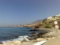 Пляж в непосредственной близости от отеля Torrequebrada 5*.