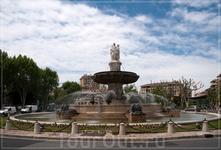 площадь Свободы и фонтан Ротонда