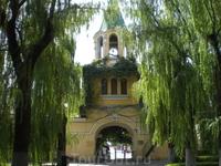 Вот опять следы русских - бывшая часовня перед входом в луна-парк