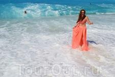 неоново-голубая вода пляжа Капуташ