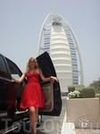 на фоне Burj Al Arab