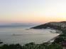 Вид с крепости Kadikale на пляж отеля.