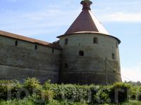 Крепость в течение 90 лет находился под властью Швеции, тогда она нзывалась - Нотебург (Ореховый город). Во время Северной войны крепость была отвоевана русскими войсками и переименована в Шлиссельбур