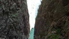 Расколотая скала