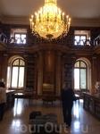 Один из владельцев замка, Дьёрдь Георг) Фештетич, в 1797 году основал в Кестхее первый в Европе сельскохозяйственный институт. называемый Георгикон. Студентам Георгикона разрешался доступ к книгам в б