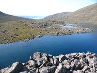 """""""По ту сторону Чоргорра"""" Горное озеро, вид на оз. Имандра"""