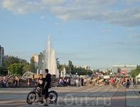 Главный фонтан Перми на площади у Театра-Театра