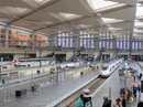 Скоростные поезда AVE прибывают на станцию Сарагосы с милым именем Delicias (с испанского - наслаждение, удовольствие или восторг). Станция новая (открыта в мае 2003 года), красивая, но пассажиров, прямо скажем, немного.