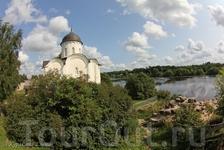 Храм на территории Ладожской крепости