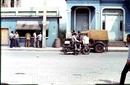 Кубинские полицейские в отполированных сапогах на мотоциклах поражали наше детское воображение