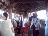 Внутри моста