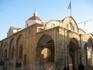 храм на греческой части недалеко от улицы Ледра...возле него как-то по-особенному величественно...и тихо...захотелось присесть на лавочку и просто молча ...