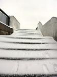 А вот и лестницы, которые соединяют разные ярусы набережной