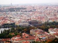 Прага с высоты птичьего полета (с башни на холме Петршин)
