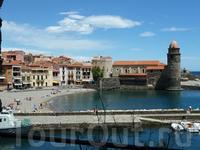из Баселоны съездили во Францию в маленький но очень красивый городок Колулур