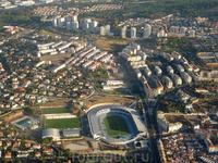 8 утра, подлетам к аэропорту португальской столицы. А это городские кварталы.