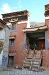 Монастырь Ронгбук Тибет, Ронгбук, монастырь XX в Монастырь Ронгбук – священный порог на пути к самой высокой вершине мира, крайний предел человечества ...