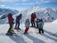 австрийцы раньше учатся ездить на лыжах, чем ходить по асфальту