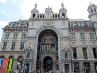 Антверпен. Антверпенский вокзал входит в пятёрку красивеших вокзалов мира.