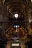 Это внутреннее помещение базилики. Попробуйте представить размеры. Какие маленькие люди внизу. Хотя всего лишь 58м в длину, высота 23м. Считается далеко ...