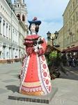 Вот такие необычные скульптуры установили на Никольской улице, прямо рядом с Красной площадью